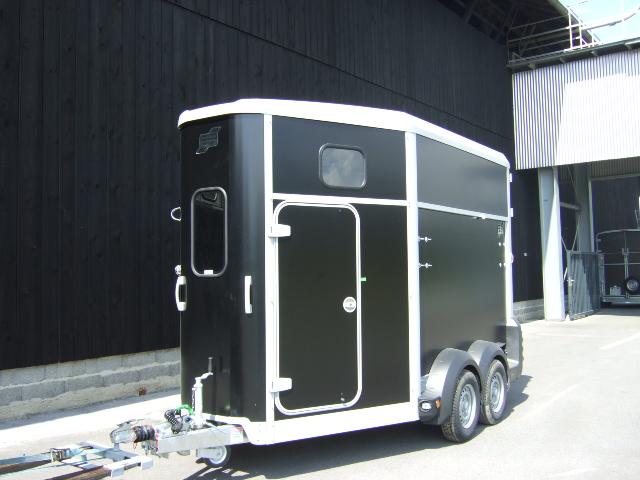 der ssangyong rexton w ein vollblut suv f r reiter und. Black Bedroom Furniture Sets. Home Design Ideas
